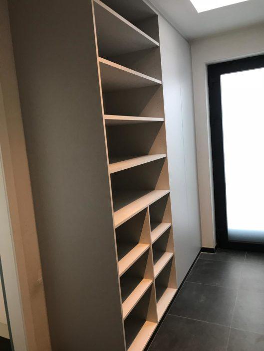 Réalisation espace de rangement et dressing en bois sur mesure