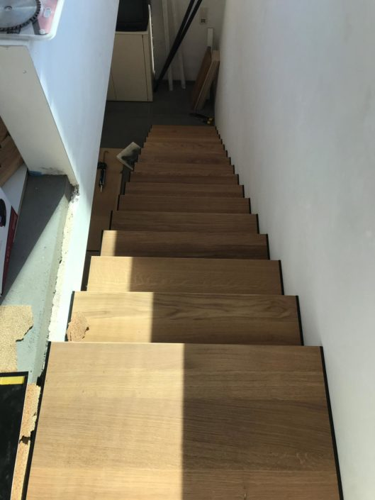 Réalisation d'escalier en bois et pose